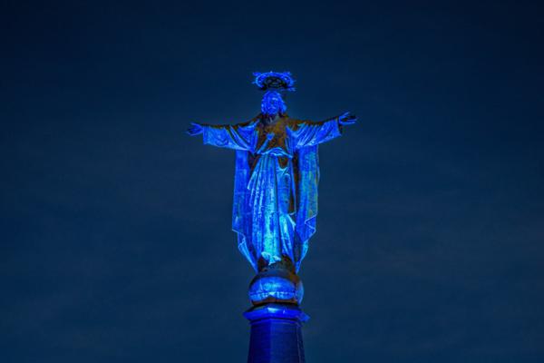 Jezus Waaghals blauw aangelicht